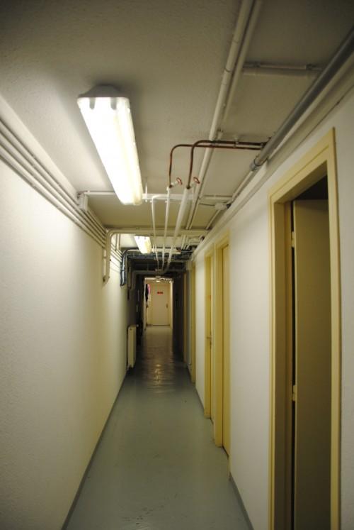 Le couloir d'acès au micral de Palaiseau, sous le PC sécurité