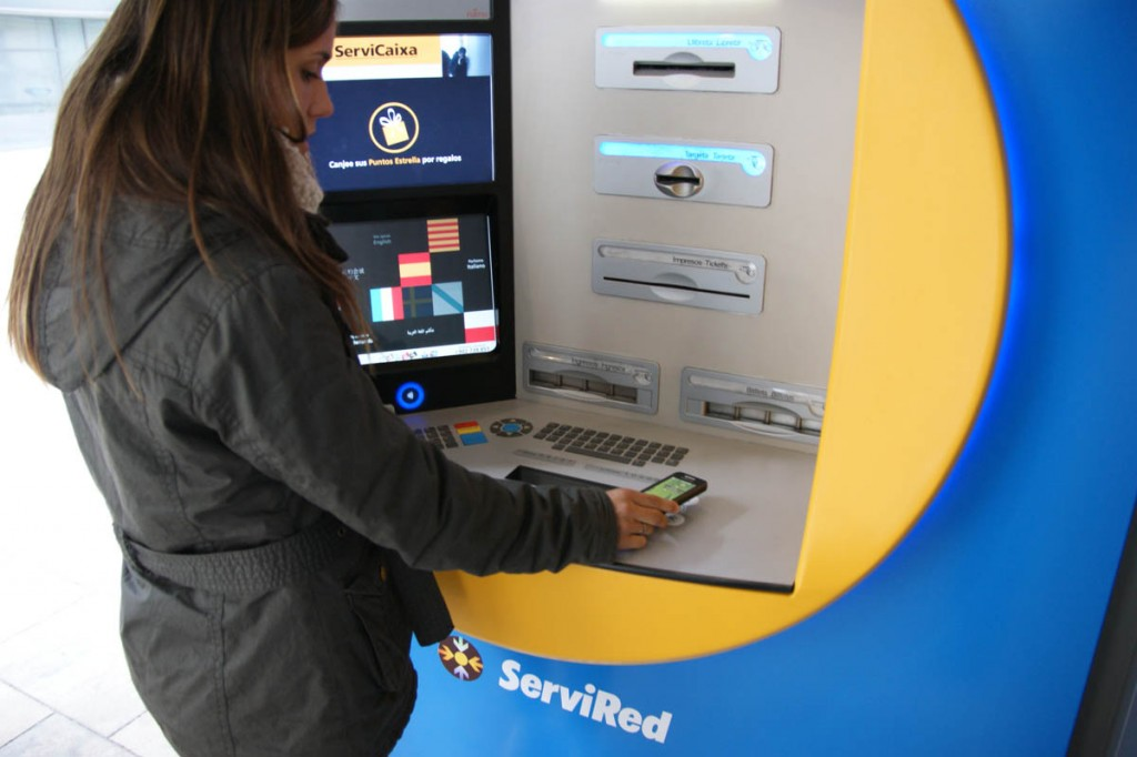 Image of the contactless ATM installed in Barcelona