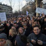 République – Bastille : sous les manifs, la com !