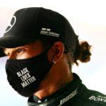 Lewis Hamilton passe en-tête